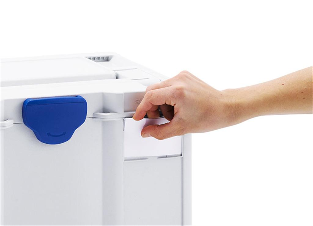 Labels can be quickly and easily inserted in the slot on the Systainer³ even when it is closed.